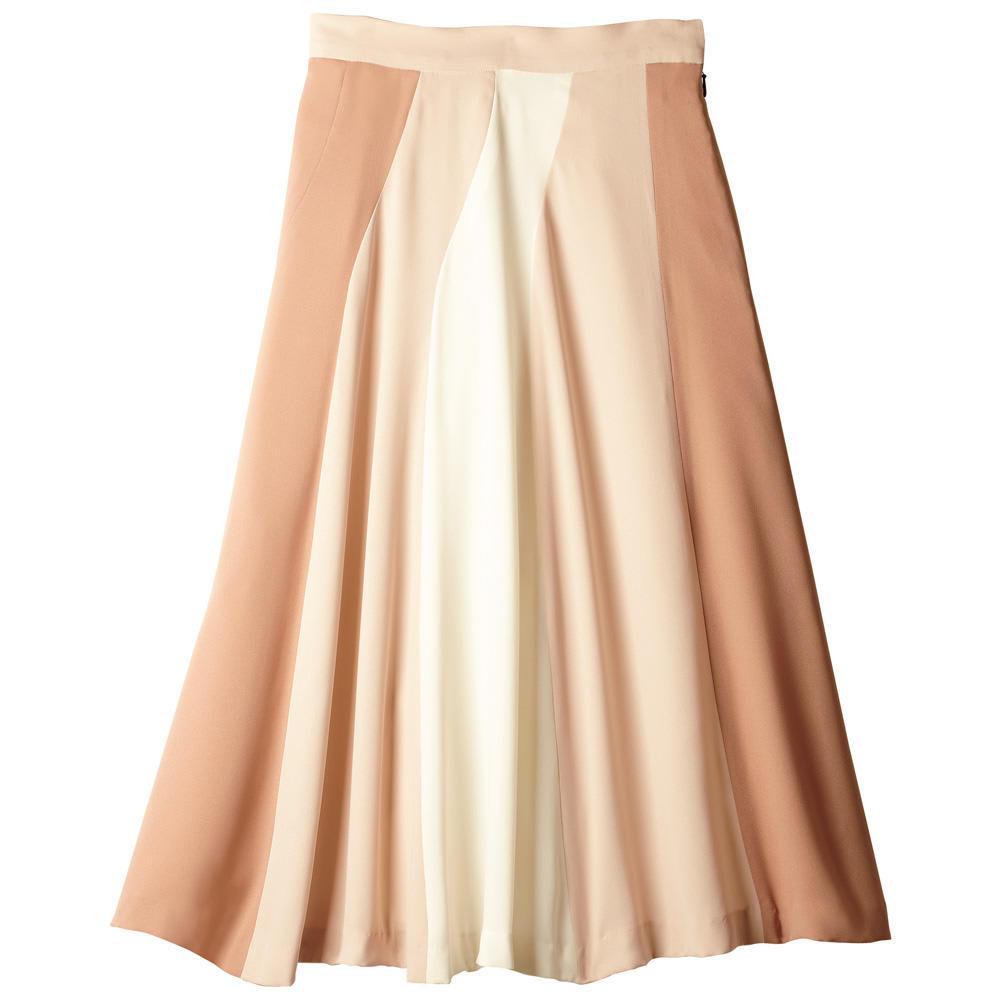 <span class=ffam1>デートはやっぱりスカートで!桜をイメージしたコーデも好評</span>