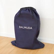【特典】リモコンやポールもまとめてしまえる収納袋付き。