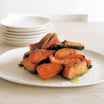 鉄のフライパンで作るにんじんとかぼちゃのメープルシロップ焼き