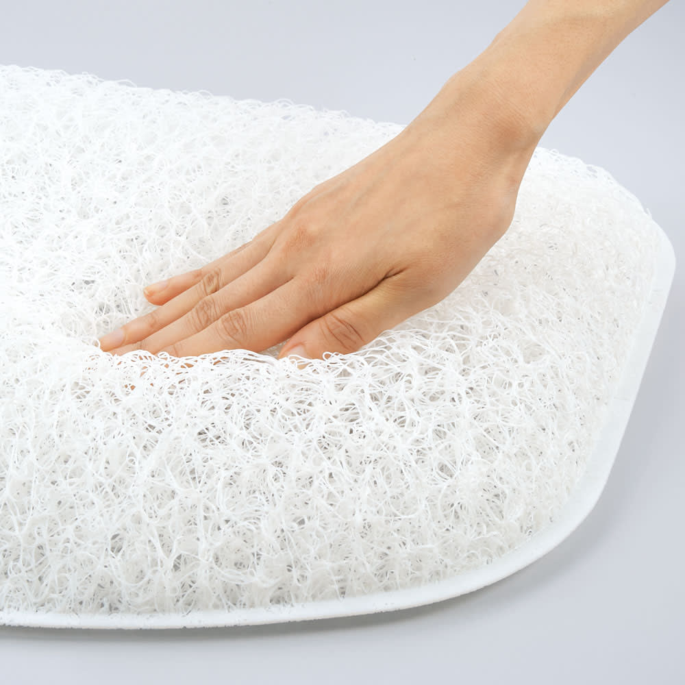 <span class=fb>やわらかく支える枕専用の新3D形状ブレスエアー®</span>