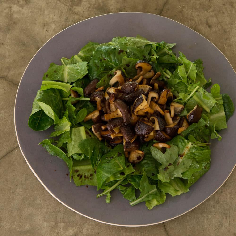 #64 焼き椎茸とルッコラのサラダ