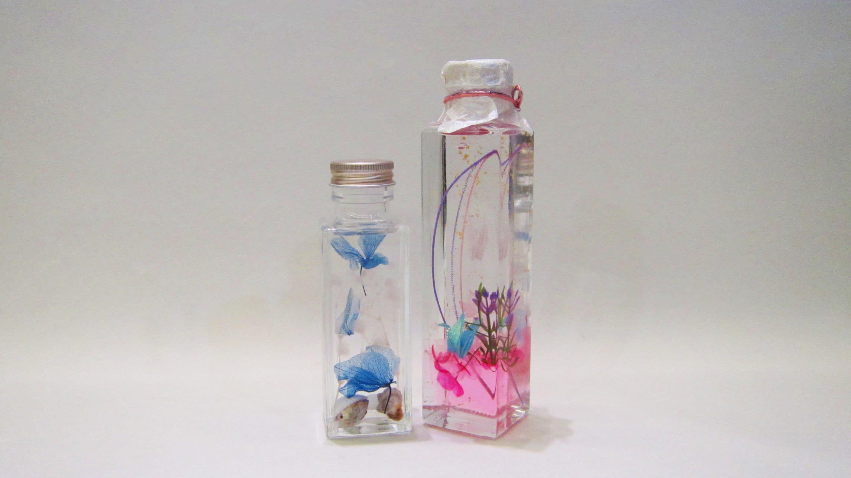 ― オイルに花材を入れるのが一般的なハーバリウムですが、それ以外で面白いハーバリウムはありますか?