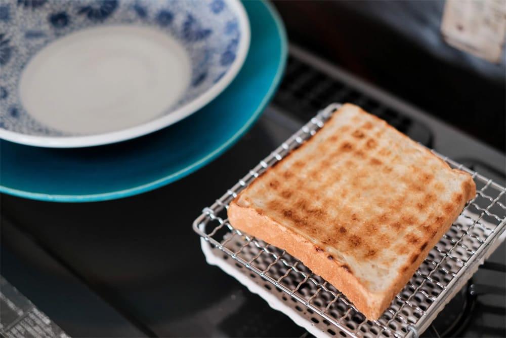網焼きパンで幸せな朝食を