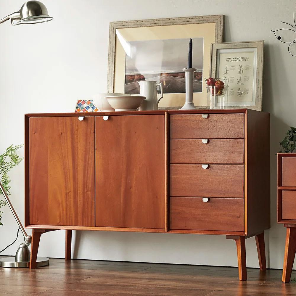 おしゃれな収納家具。キャビネットでお部屋をデザイン。