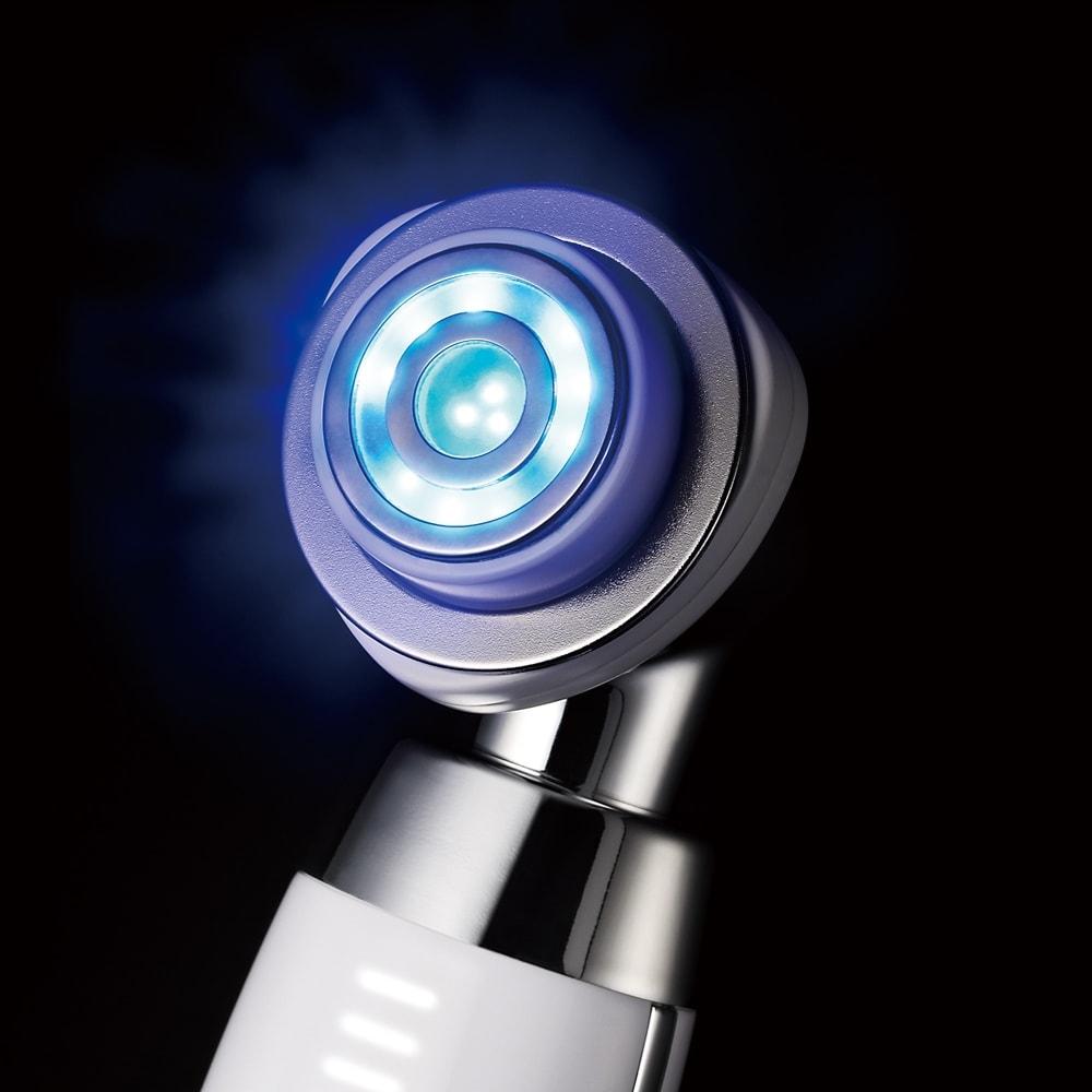ポイント3.エステでも人気の青色LEDを搭載