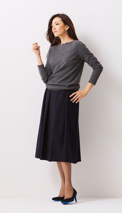 王道スカートスタイルは上品カラーで抜かりない女っぽさを
