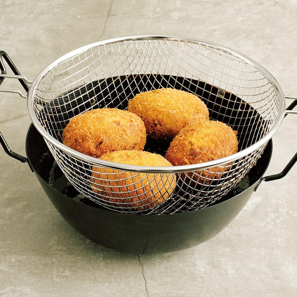 #01 鉄の揚げ鍋で作るキャベツメンチ