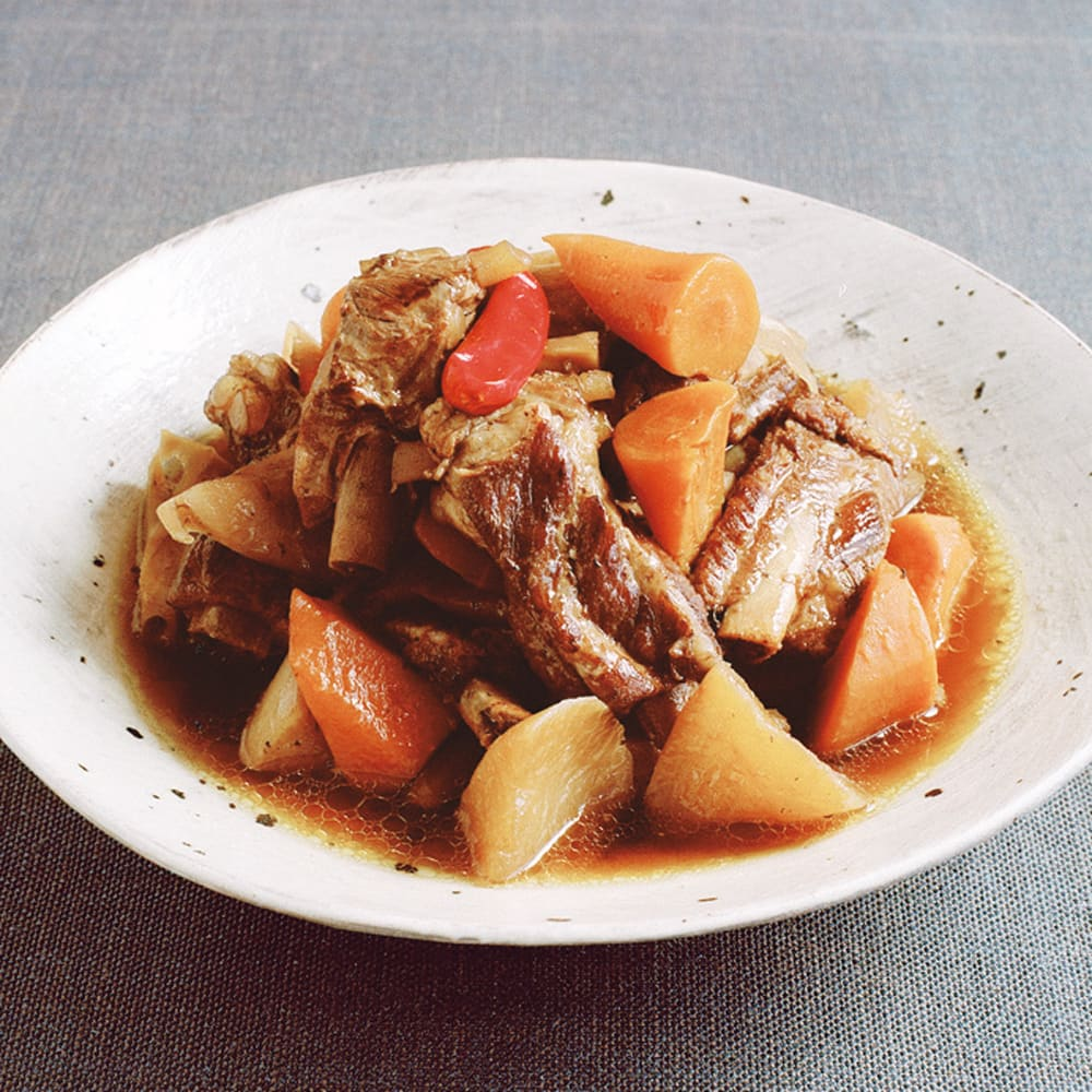 #24 フィスラーの圧力鍋で作る根菜とスペアリブの煮物
