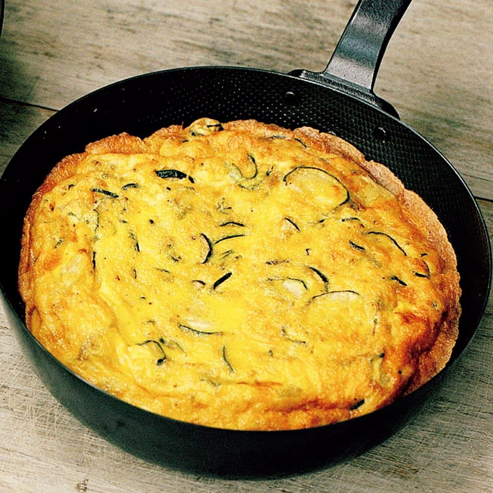 #13 鉄のフライパンで作るズッキーニのオムレツ