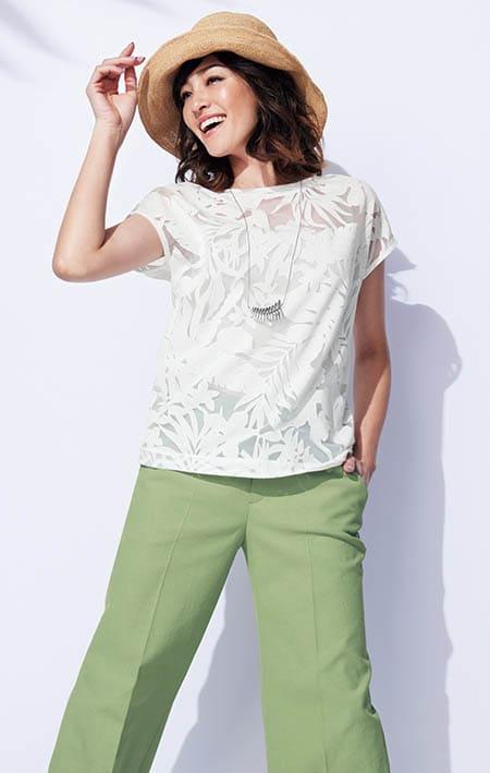 オパール加工 ボタニカル柄 Tシャツ