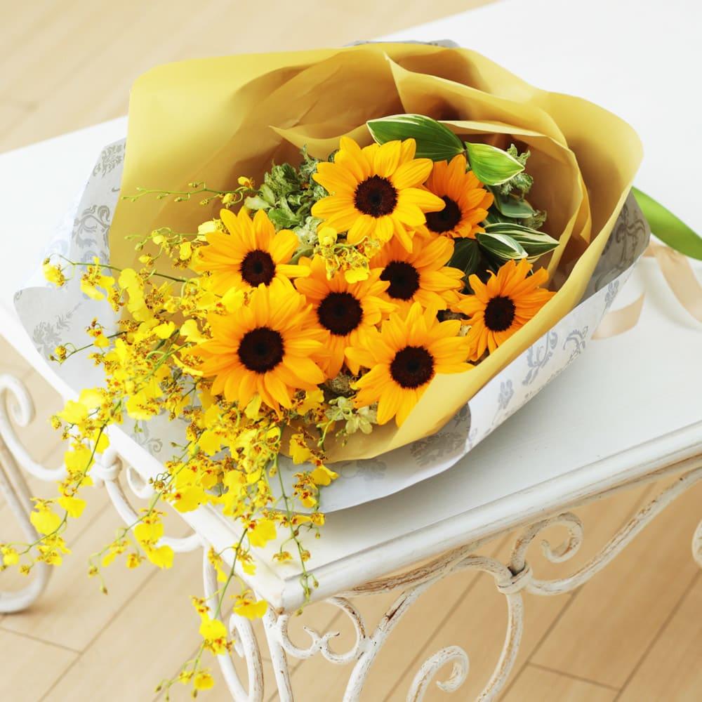 ひまわりとオンシジュームの花束<br>5,500円(税込)