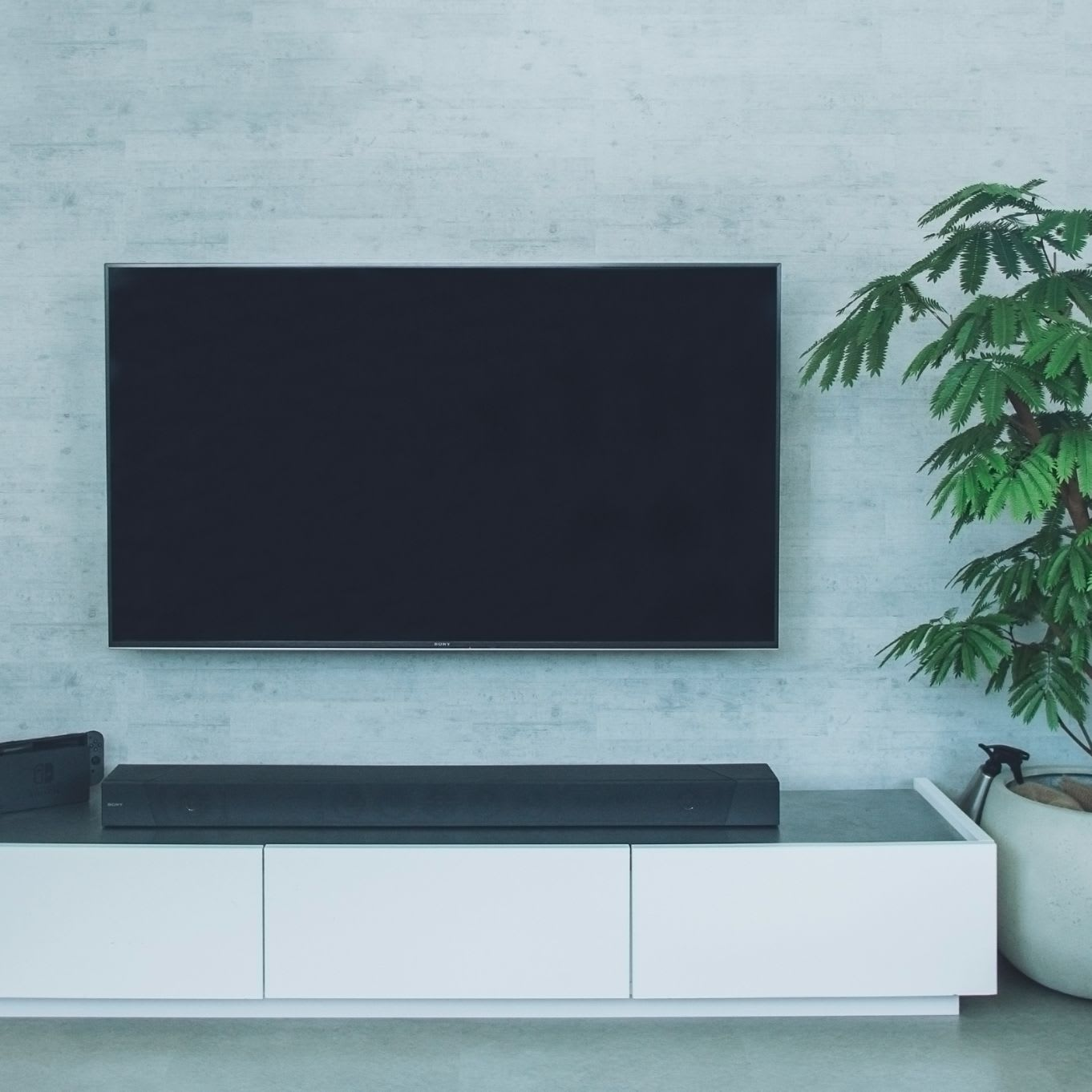 「テレビは浮かせる」とスッキリ!シンプルでおしゃれなリビングの作り方