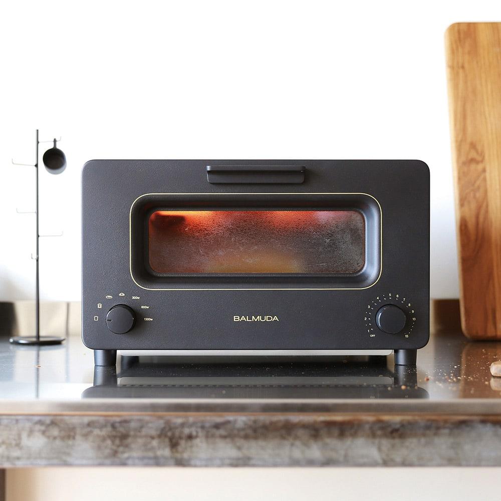 パン専用トースターは、貰うと嬉しい大人気アイテム!<br /><br />【送料無料】BALMUDA/バルミューダ ザ トースター 2017年春発売モデル