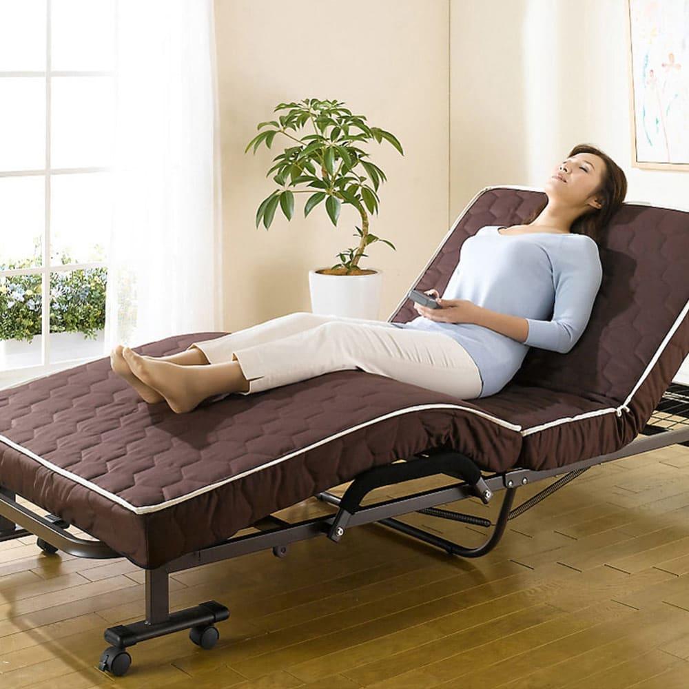 開梱してすぐ使える![組立不要]低反発ダブルリクライニング電動ベッド