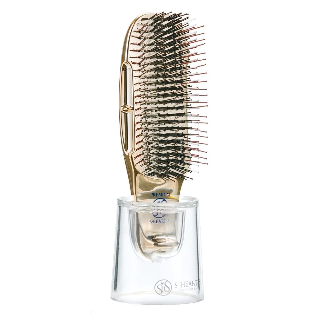 表情を明るく魅せる、ツヤがありふっくらとした髪の毛は憧れます。頭皮の毛穴に詰まった皮脂汚れをとるブラシで、ワンランク上のヘアケアをプレゼント。<br /><br />スカルプブラシ ワールドプレミアムショート