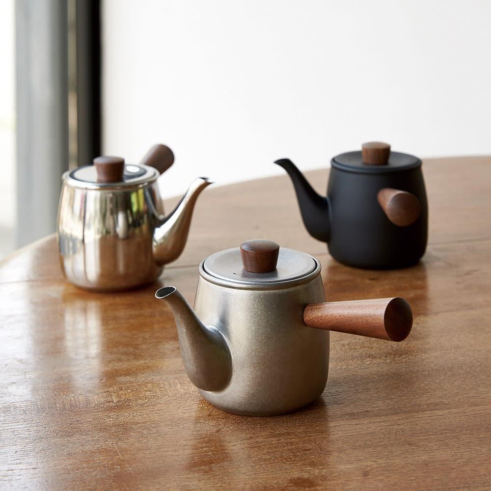 お茶好きの友達には、急須をチョイス。お茶を淹れている時間も、立ち上る香りに肩の力が抜けるアイテムです。あなた厳選の茶葉とセットにしても◎。<br /><br />ミヤコ ステンレス製急須 小