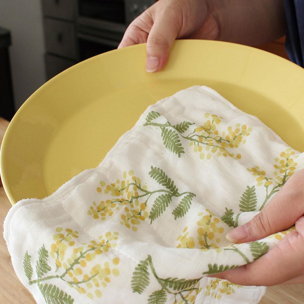 拭く(福)で運気を呼び込むキッチンアイテムは、台拭きや手拭きとして使用でき、何枚あっても助かります。1枚あたり500円~1000円程度という価格もポイントです。<br /><br />しあわせ重ねふきん 大判サイズ 2枚セット
