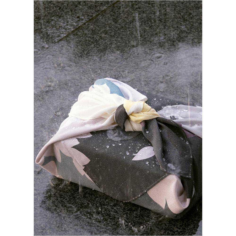 濡れない はっ水風呂敷 薄墨桜