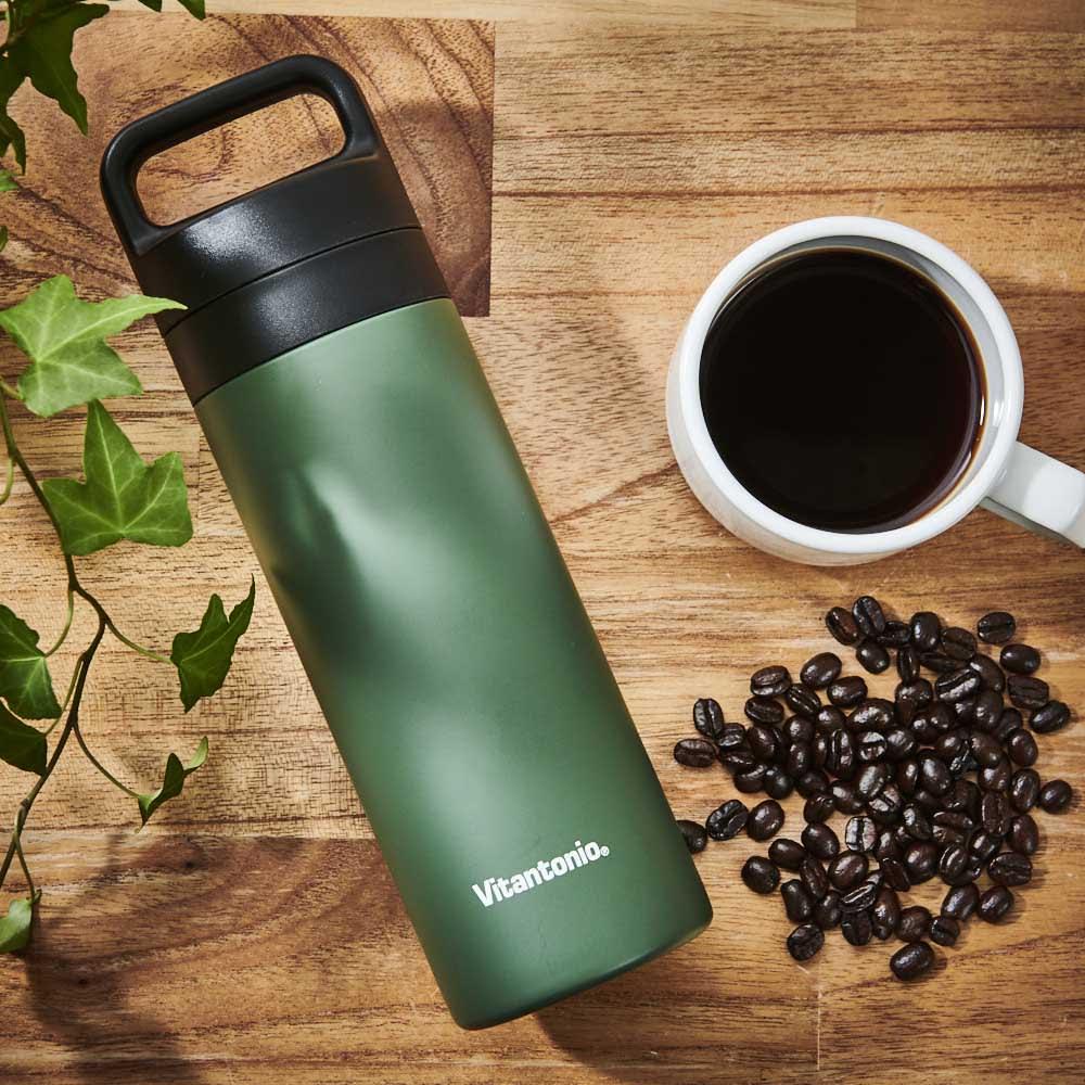 仕事中に飲みたくなるコーヒー。蓋つきのボトルはテレワーク、在宅ワーク時にも活躍します。<br /><br />コーヒープレスボトル コトル COTTLE