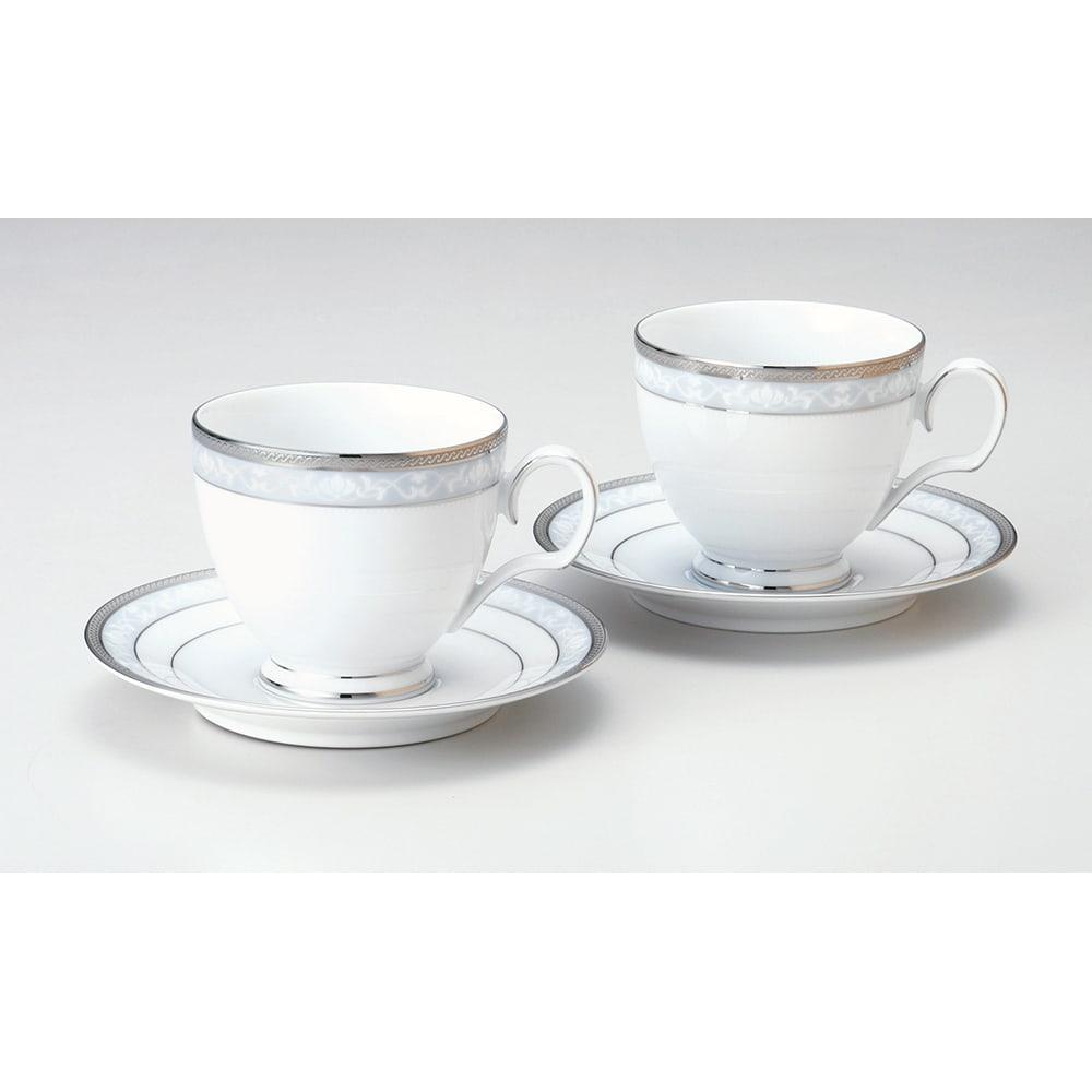 優雅なティータイムを楽しめるティーセットは、お酒をあまり飲まない方へのプレゼントにおすすめ。幅広い年代に愛される上品なデザインがおすすめ。<br /><br />Noritake(ノリタケ)/ハンプシャープラチナ ティー・コーヒーカップ&ソーサー ペアセット(2客組)|洋食器