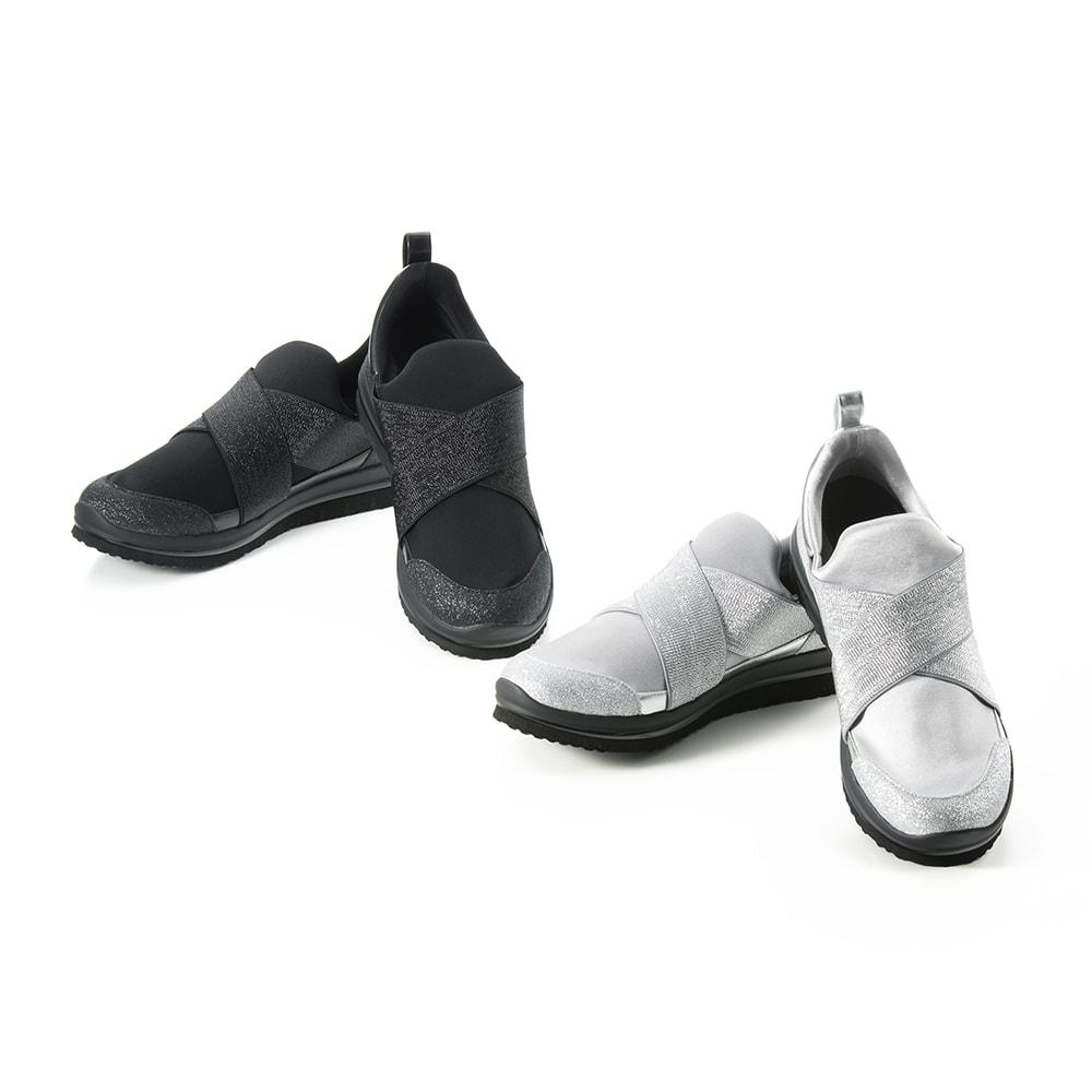 履き物ひとつで驚くほど歩き方や姿勢がよくなります。ウォーキングのプロが監修するスニーカーは、お母さんも安心してたくさん歩くことができます。<br /><br />ヌーディウォーク ストレッチスリムスニーカー