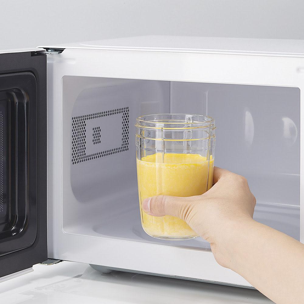 サイレントミルサーおろしカッター付き 特典なし 強化ガラス採用で、粉砕後はそのまま電子レンジへ。鍋を使わずに熱々のスープが完成。