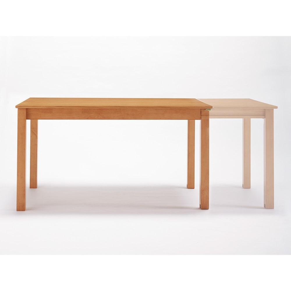 ナチュラルモダン伸長式オーク天然木ダイニングお得な5点セット(伸長式テーブル・幅135・180cm+回転チェア2脚組×2) 通常時は135cm、伸長すれば幅180cmに広がり、来客時に嬉しいポイント♪
