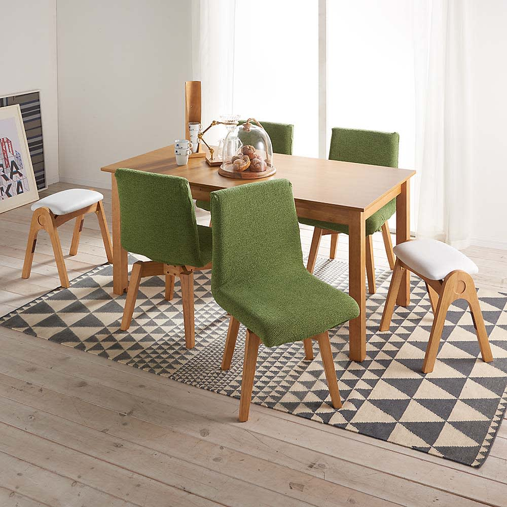 ナチュラルモダン伸長式オーク天然木ダイニングテーブル・幅110・150奥行75高さ70cm 使用イメージ ※お届けはテーブルです。