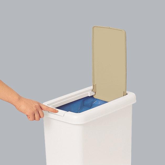 プッシュ式ごみ箱 26.5L プッシュ式ペールなので、ワンタッチで蓋を開閉できます。