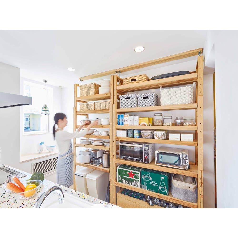 【天井突っ張り対応】国産杉の無垢材キッチン収納 壁面突っ張りラック 幅149cm奥行38cm 調理家電やキッチン家電の収納に便利なオープンラック。