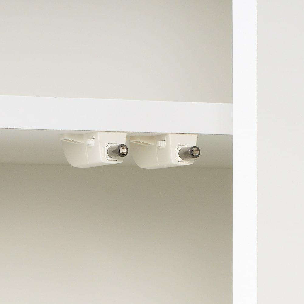 シンプルラインダイニングボードシリーズ 食器棚 幅59.5 高さ173.5cm 扉はマグネット式のプッシュラッチでラクラク開閉。