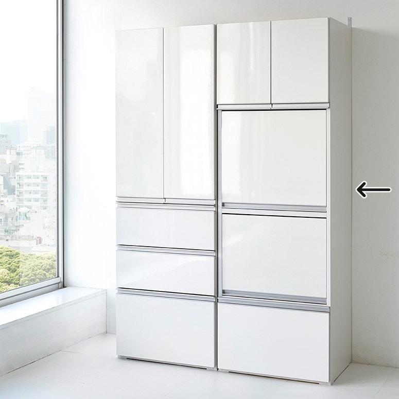 組立不要!家電を隠せるキッチン収納シリーズ レンジラック幅59.5cm 扉を閉めるとフラットな全面が美しくも出えるルームのように