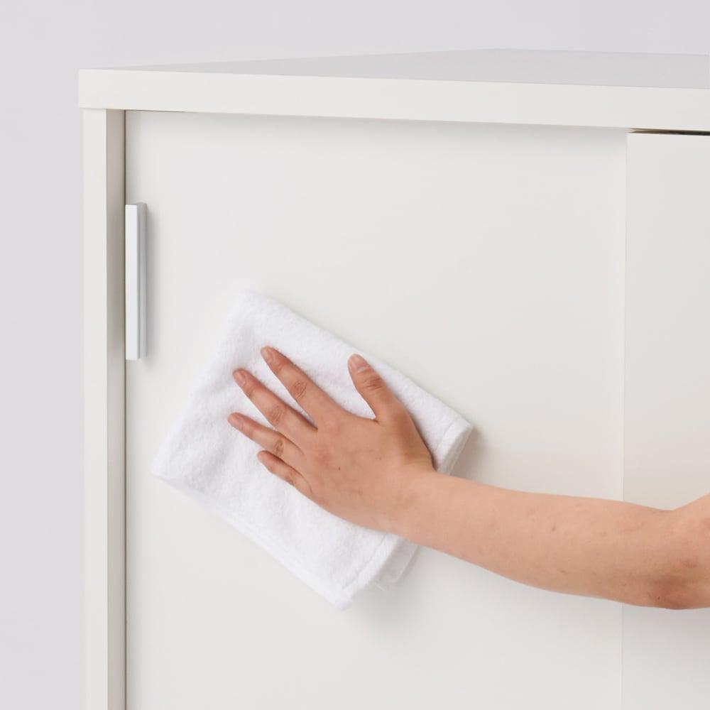 引き戸カウンター下収納庫 奥行29.5高さ100cmタイプ 引き出し・幅44.5cm 表面は光沢が美しく、水・汚れに強いポリエステル化粧合板を使用しています。