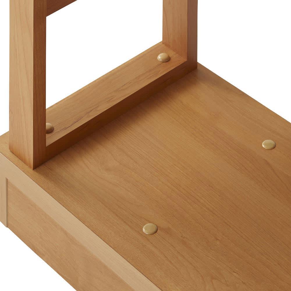 伸長式カウンター下収納庫 幅160~260cm 連結金具はキャップで隠します。