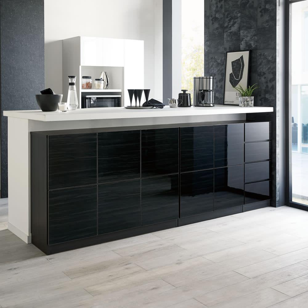 スクエア光沢木目カウンター下収納  1列2マス 幅40cm奥行29cm 《コーディネート例》キッチンカウンター下のデッドスペースを、作り付けのような収納スペースにプチリフォームできます。