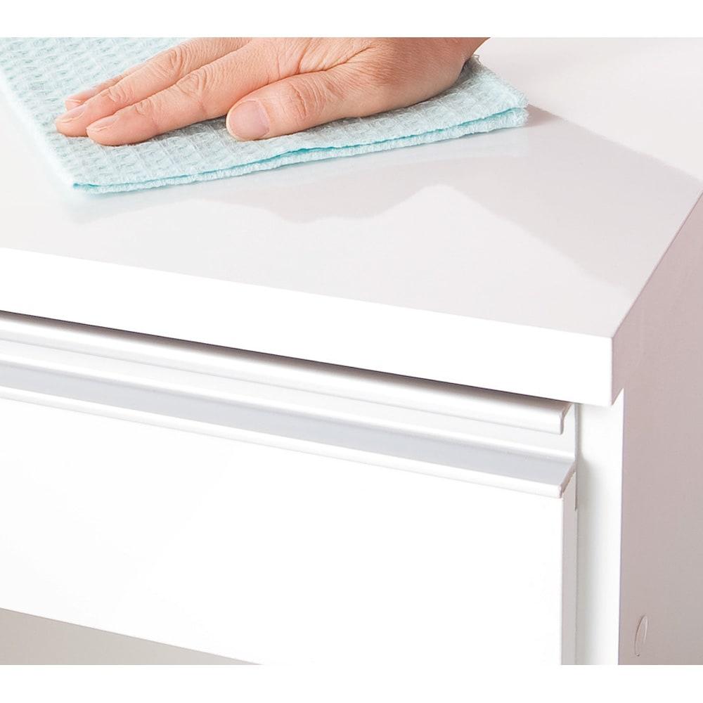 間仕切りキッチンカウンター カウンターデスク 幅65cm 天板・前面は傷や汚れに強い素材。