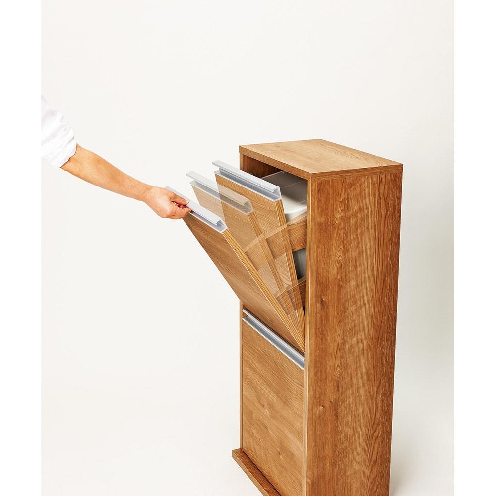 ゆっくり閉まる家具調ダストボックス 2分別 幅39.5cm 【気になる開閉音を軽減】衝撃を吸収するダンパー付き。手を放してもふたがゆっくり閉まり「バタン」と音が響きません。