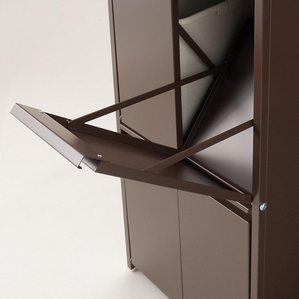 ステンレス天板ダストボックス 横型2分別 ゴミ箱ペールが入る部分もシッカリ塗装仕上げされています。