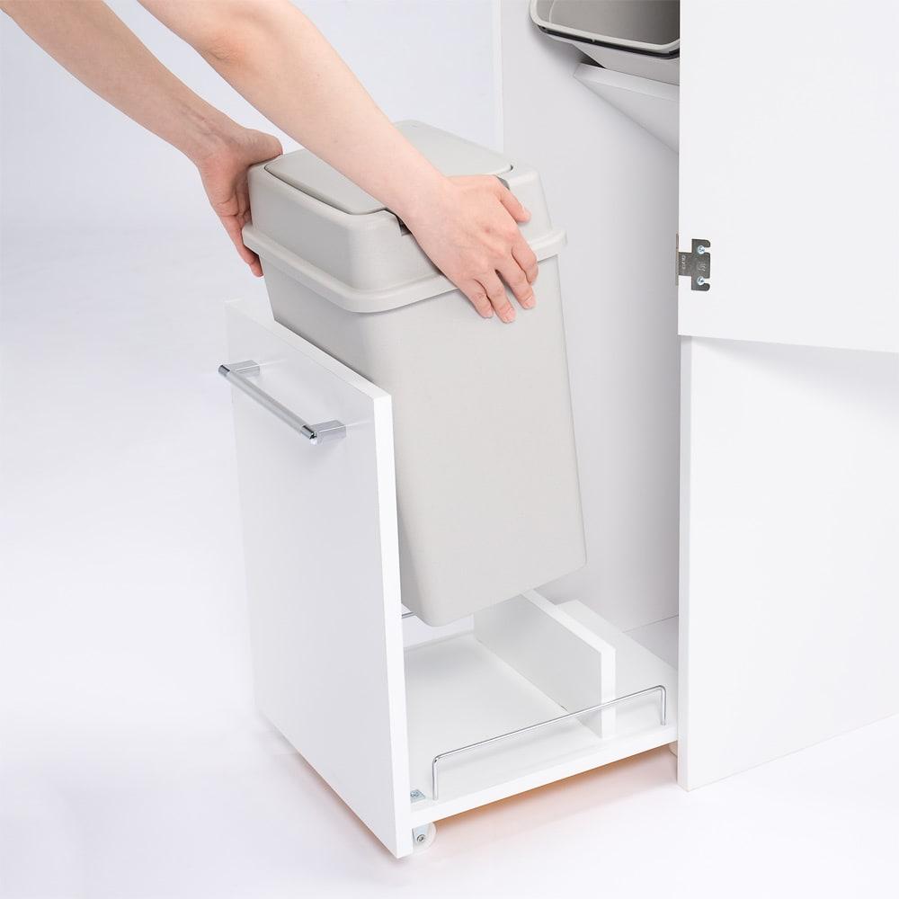 組立不要 キッチン分別タワーダストボックス 4分別 ゴミ箱タイプ ワゴン部のごみ箱ペールも取り外しできます。 ごみ箱を洗う際はとても便利です。