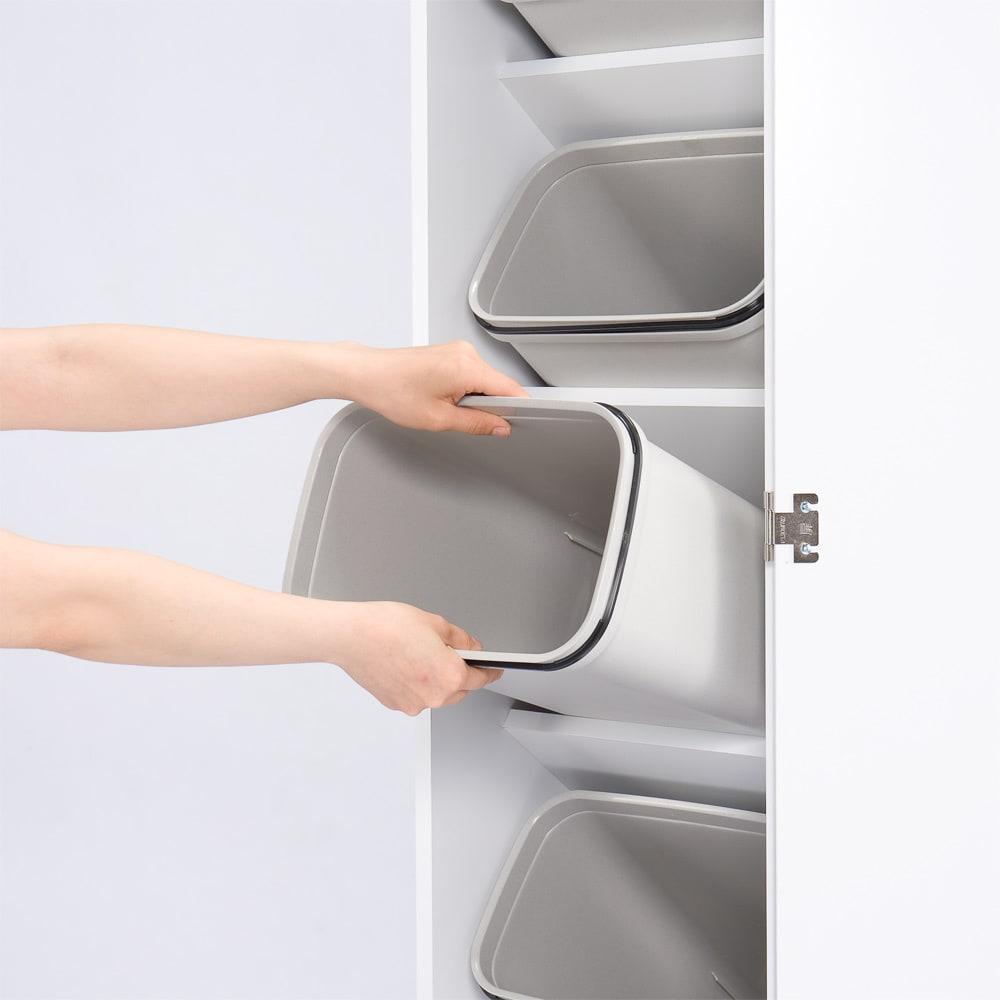 組立不要 キッチン分別タワーダストボックス 5分別 ゴミ箱タイプ ゴミ箱は簡単に取り外し出来ます。 ごみ箱を洗う際にとても便利です。
