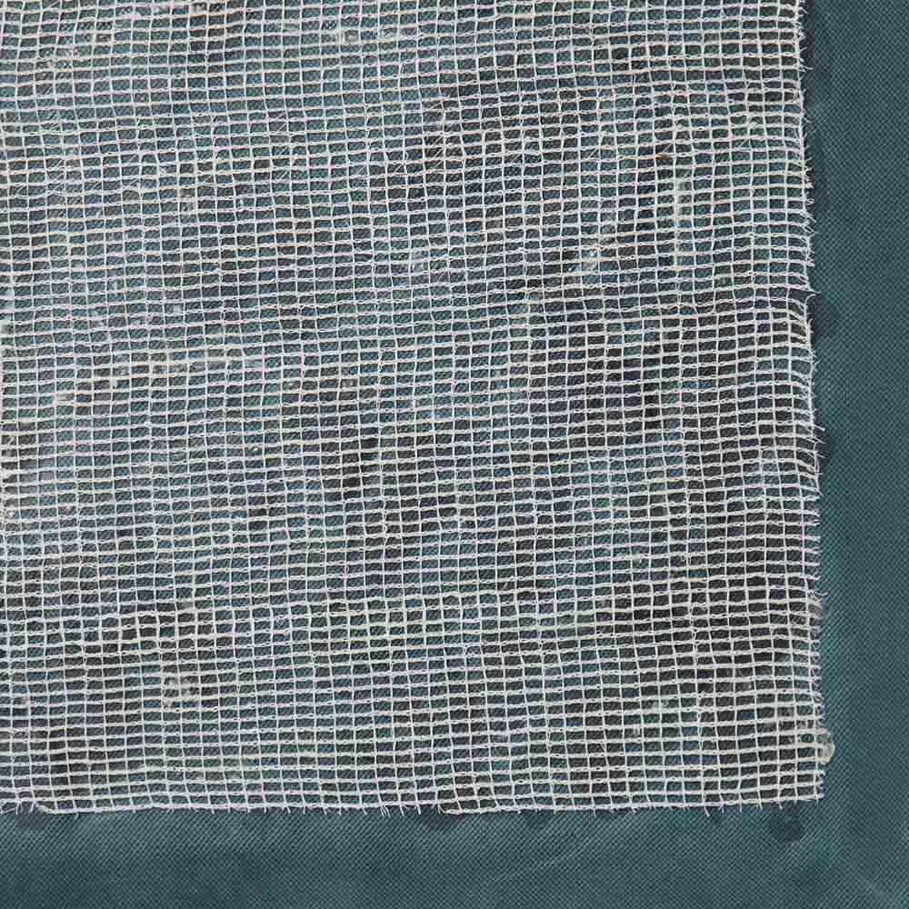 雑草が生えない天然石マット 同色12枚組 裏面のシートが日光を遮断し、雑草の生育を防止してくれます。