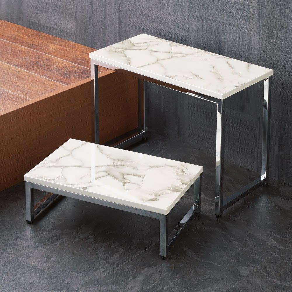 大理石柄 玄関踏み台 使用イメージ ※写真はベンチと踏み台です。 お届けは踏み台のみです。