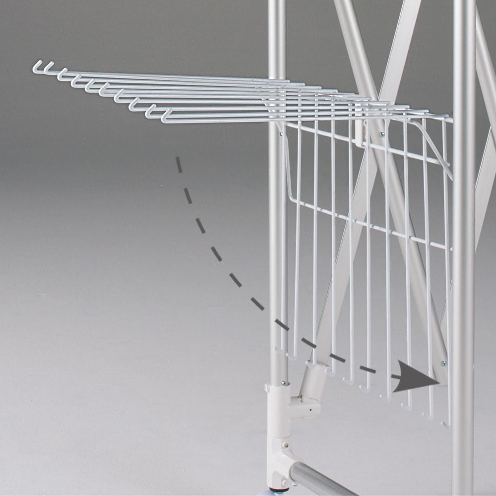 大量に干す方におすすめ!「ウルティマ」4本竿物干し ワイドタイプタオルハンガー付き 左右のタオルハンガーは、使わないときは簡単にすっきりと収納できます。