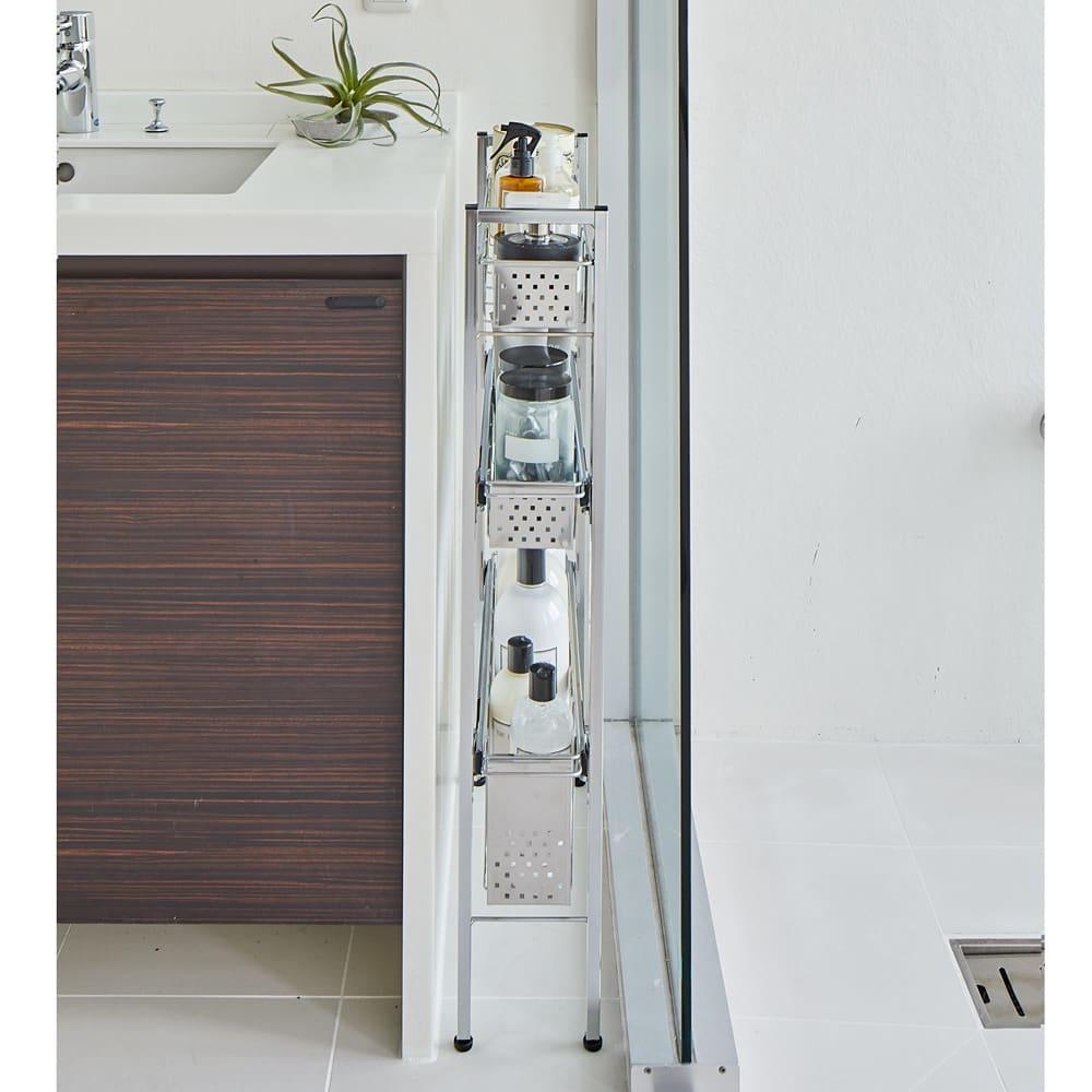 ステンレス洗濯機サイドラック 4段 幅14.5cm高さ103.2cm 使用イメージ ※写真は3段 幅14.5高さ80.5cmタイプです。