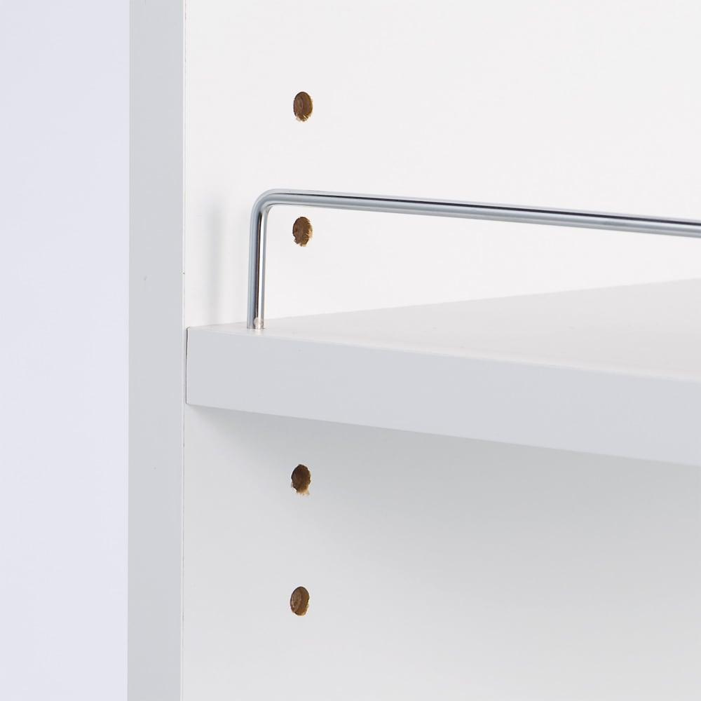 取り出しやすい2面オープンすき間収納庫 奥行44.5cm・幅12cm 収納物が落ちづらい、こぼれ止めバー付きで安心です。