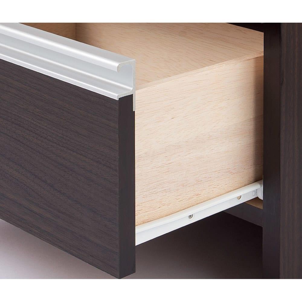 組立不要 水や汚れに強いステンレス天板 サニタリーチェスト 幅60cm・奥行32cm 引き出しはスライドレール付きで開閉がスムーズ。