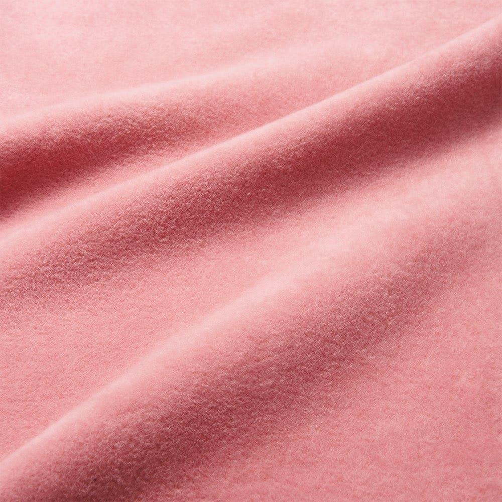 【毛布の老舗 三井毛織】超長綿×ウール プレミアム毛布 掛け毛布 匠の技で丁寧に起毛しているのでふんわりボリュームがあり、とてもなめらかな肌ざわり。ヘタりにくいのもポイントです。