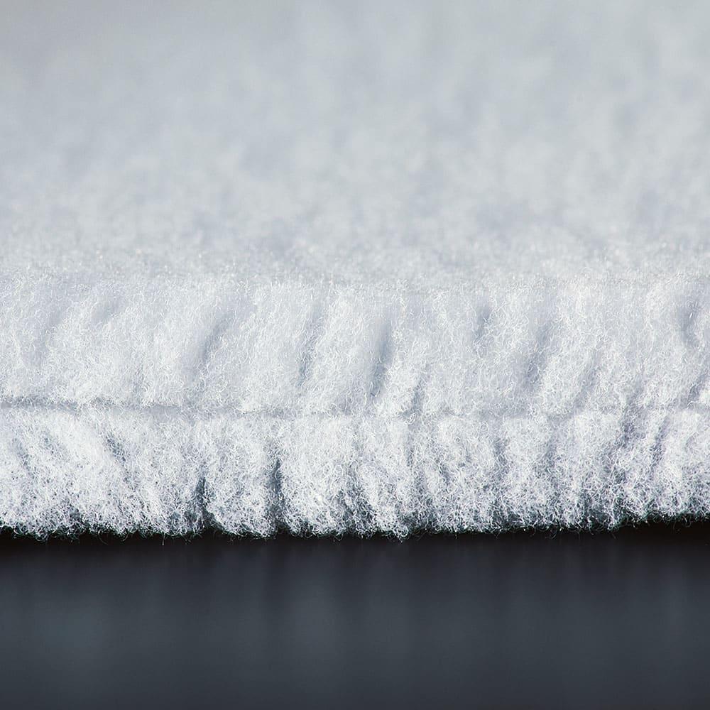 ブレスエアー(R) ピロー タッチ 普通版 側カバー内の中わたには、縦型繊維わたを2枚使っているので、耐久性にも優れ、ヘタリにくく長く愛用できます。