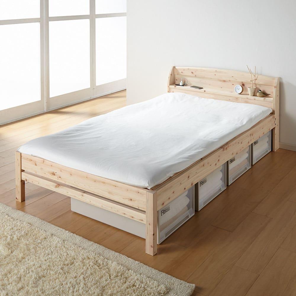 国産無塗装ひのきすのこベッドフレーム(すのこ板4分割) ≪床面高さ36cm時≫ 床面はすのこ板仕様なので、敷布団をのせても通気性が良く快適です。 ※写真はセミダブルサイズです。 ※お届けはフレームのみです。