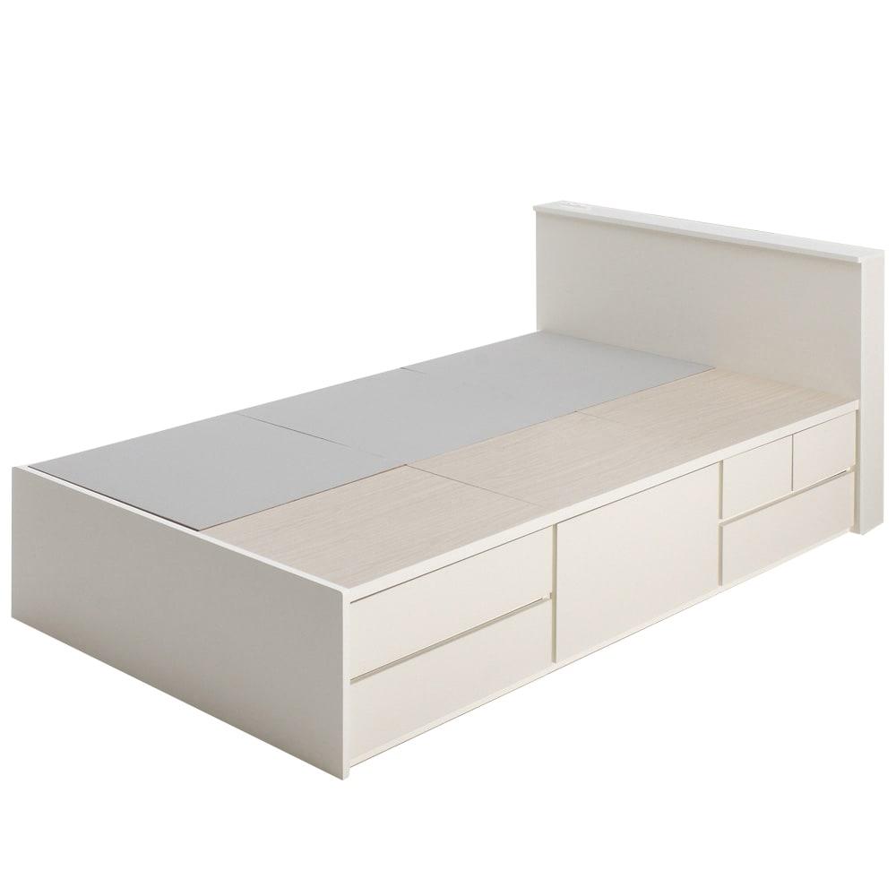 間仕切り仕様 大容量収納チェストベッド フレームのみ (ア)ホワイト ※写真はセミダブルサイズです。 長物収納部上の床板はフェルト貼りで、マットレスが滑りにくい仕様です。